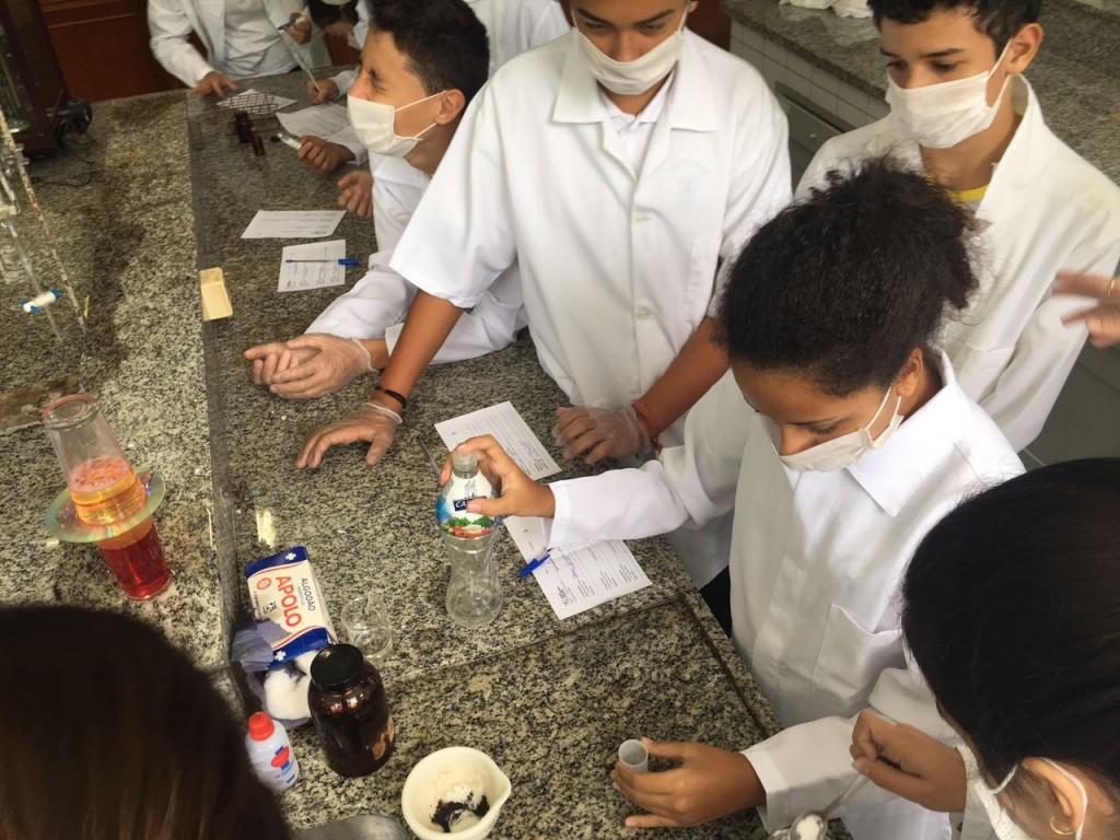 Laboratório de Química - 9º Ano