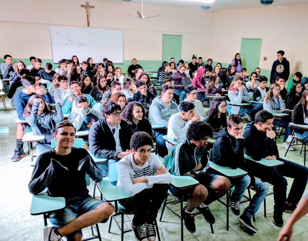 Palestras para alunos, professores e funcionários