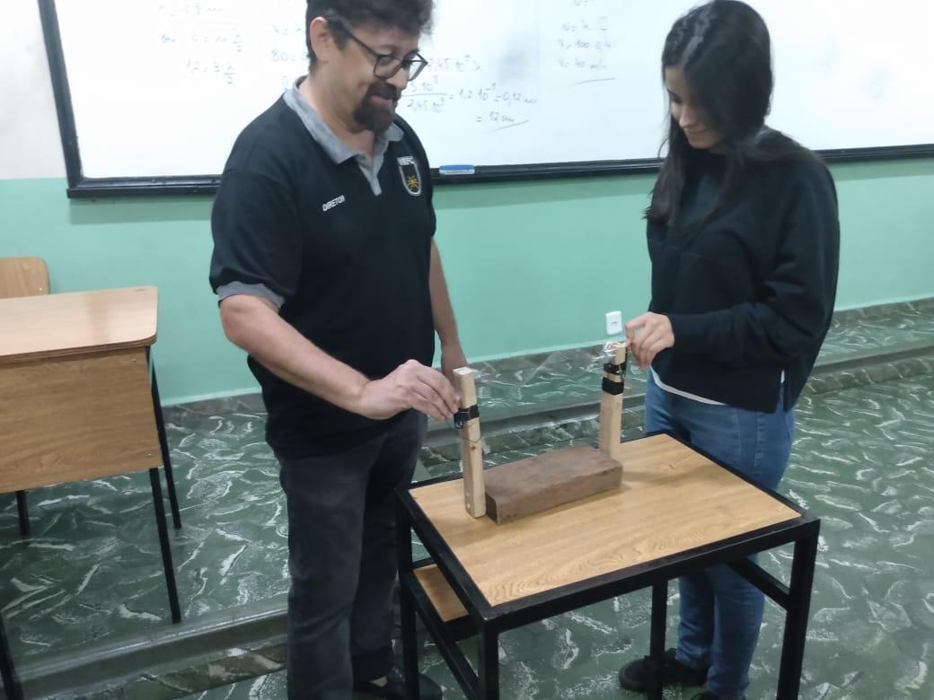Física - Ondas Estacionárias - 2º Ano Ensino Médio